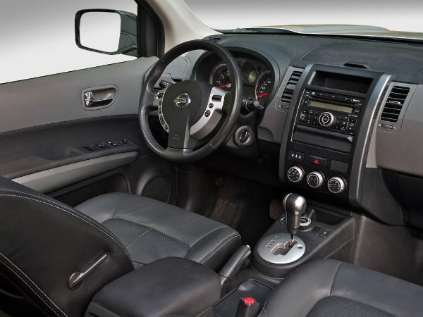 Nissan X-Trail T31 салон