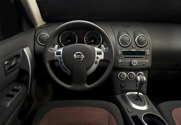 Nissan Rogue салон