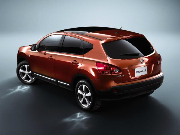 Nissan Dualis вид сзади