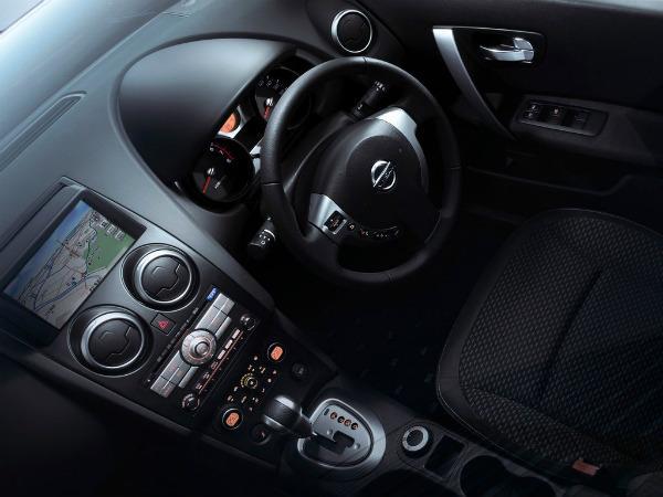 Салон Nissan Dualis