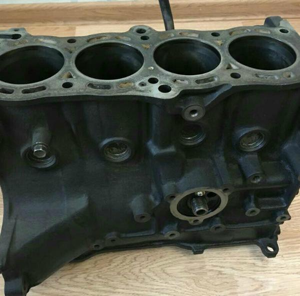Блок цилиндров GA16DE