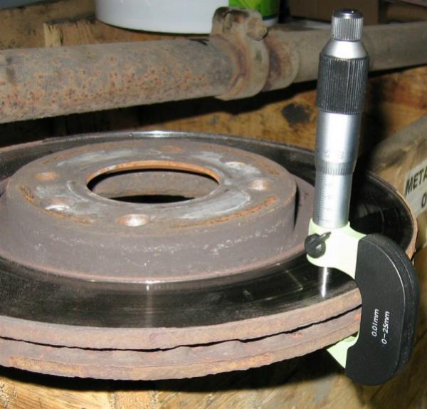 замер износа тормозного диска