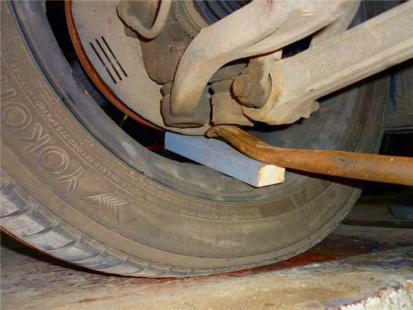 диагностика шаровой опоры Nissan X-Trail Т31
