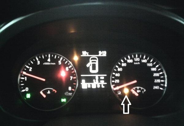Индикатор пустого бака Nissan X-Trail