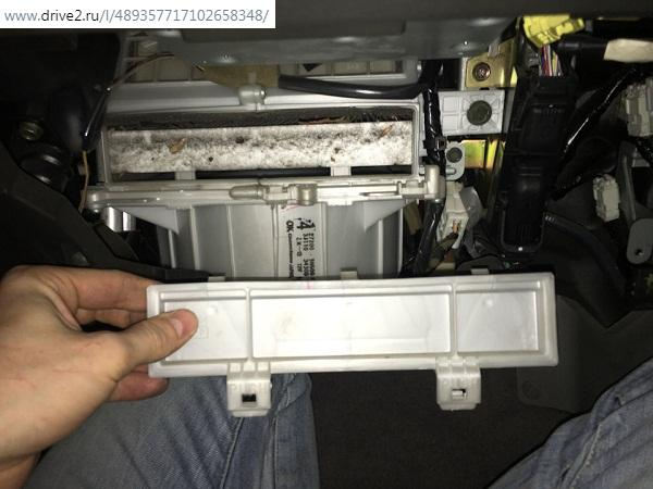 Крышка салонного фильтра Х-Трейл Т30