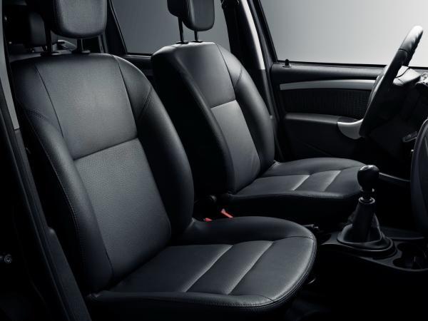 Чехлы на сидения Nissan Terrano