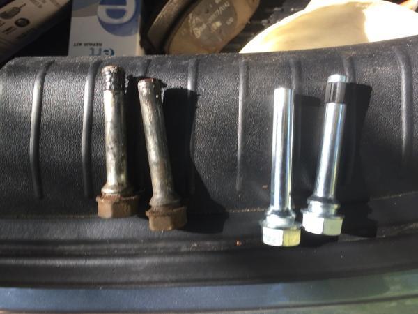 Меняем передние тормозные колодки на Kia Ceed
