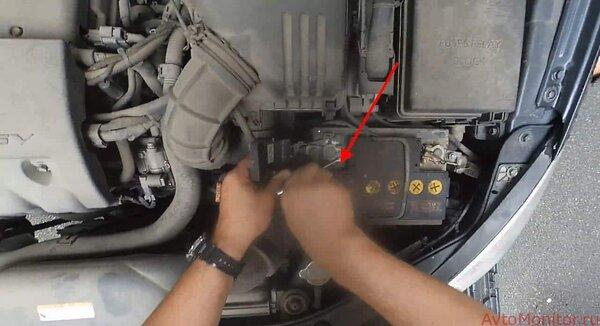 Замена аккумулятора на KiaCeed