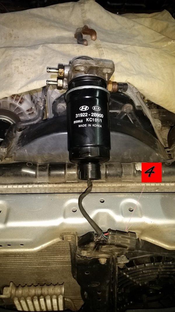 Меняем топливный фильтр на Kia Sorento 1