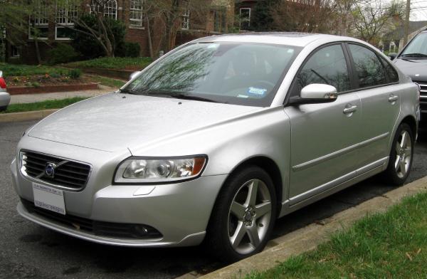 2008-2011_Volvo_S40_--_03-21-2012_2