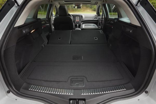 Багажник со сложенными сидениями
